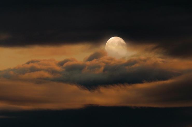 CloudyMoon2